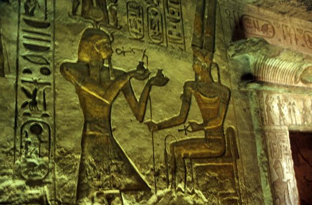 古代エジプト アブ・シンベル神殿_c0011649_04092264.jpg