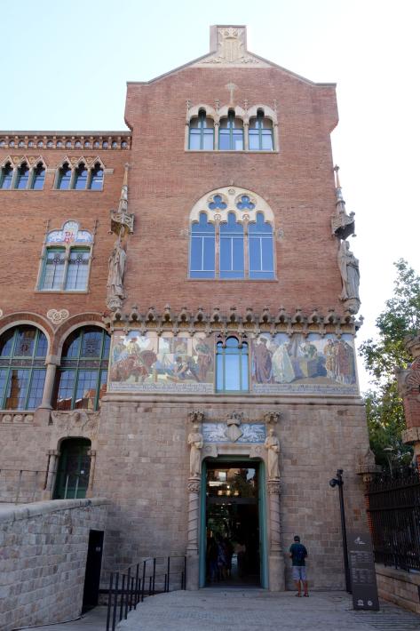 サン・パウ病院 Hospital de Sant Pau リュイス・ドメネク・イ・ムンタネー Sant Pau Recinte Modernista 世界遺産 2018年9月 バルセロナの旅(4)_f0117059_22061380.jpg