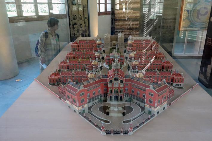 サン・パウ病院 Hospital de Sant Pau リュイス・ドメネク・イ・ムンタネー Sant Pau Recinte Modernista 世界遺産 2018年9月 バルセロナの旅(4)_f0117059_22070794.jpg
