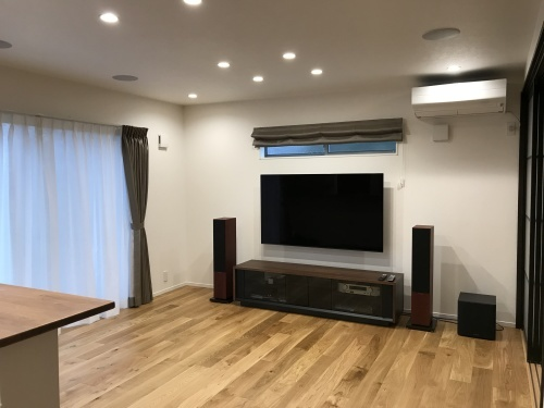 65インチ有機ELテレビ とB&W新700シリーズのあるリビングシアター☆_c0113001_23462497.jpg