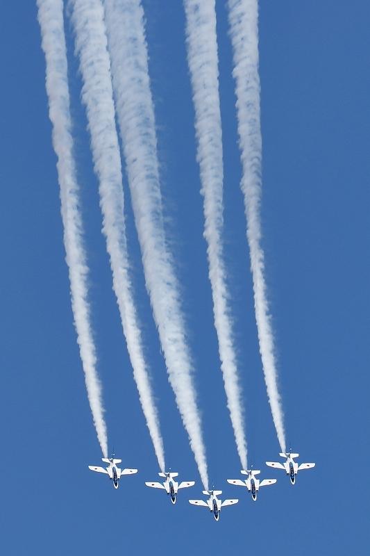 本日12時20分、都心上空にブルーインパルス(臨時のお知らせ)_b0291402_07503248.jpg