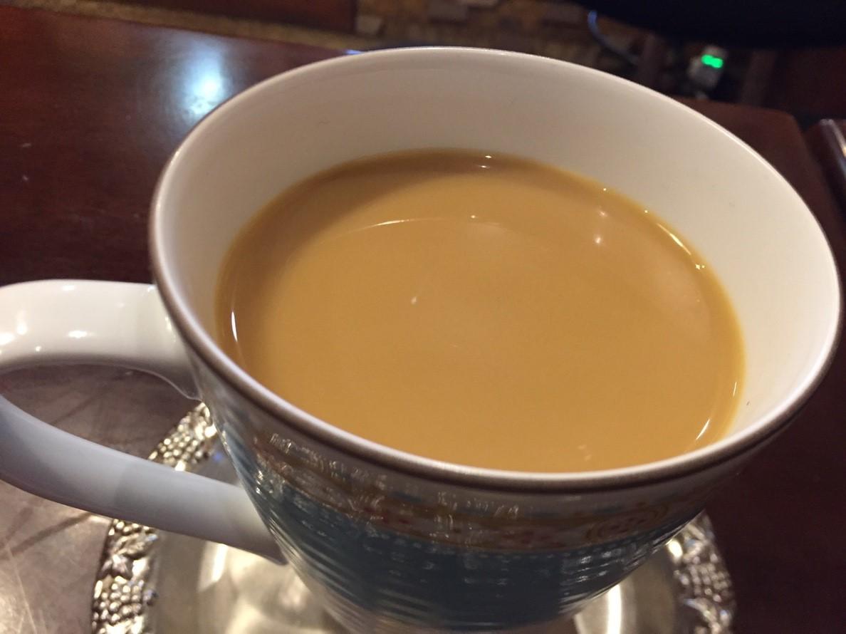 喫茶 1er ぷるみえ (牛蒡と葱のまぜご飯に牛スジコンニャク入りぼっかけソース)_e0115904_21293382.jpg