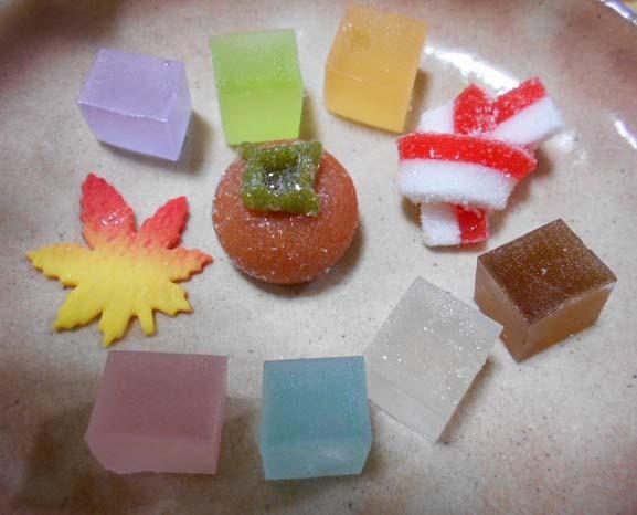 秋の干菓子&庭のようす_f0019498_09304630.jpg