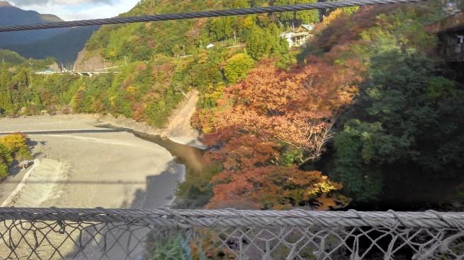 谷瀬のつり橋_c0236632_00180914.jpg