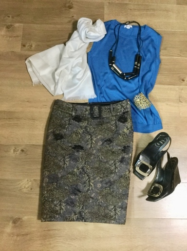 「シルクニット」Blueをどう着る?_b0210699_22571309.jpeg