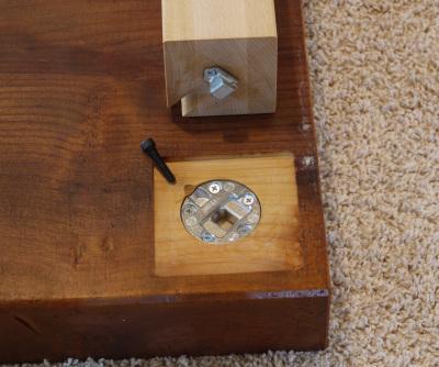 テーブル脚の取り付け箇所の平面加工_c0138410_09200185.jpg