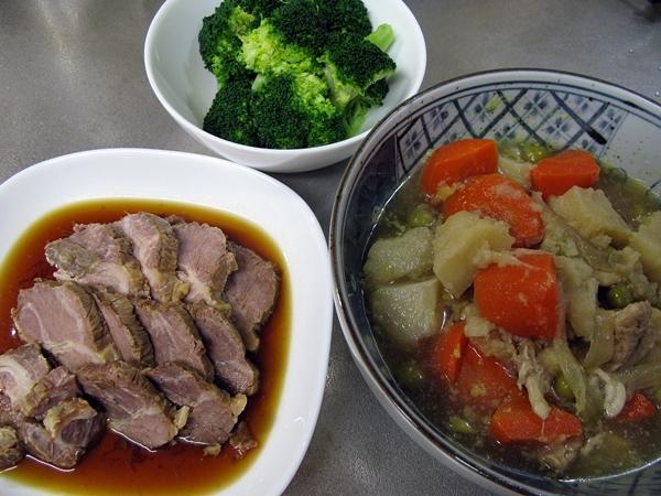 煮豚から色々使い回しです。_f0129726_18135251.jpg