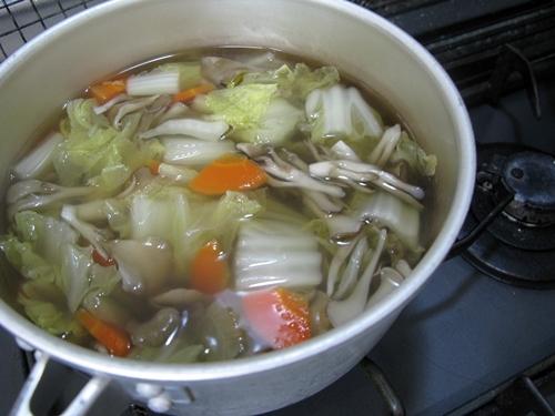 煮豚から色々使い回しです。_f0129726_18161347.jpg