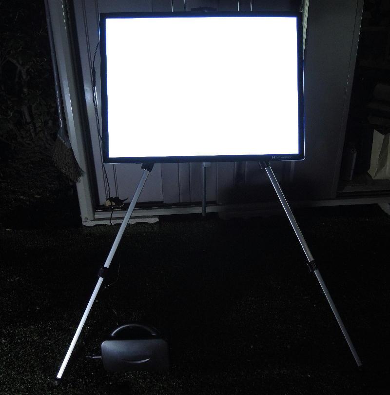 フラット光源用のLEDトレース台あれこれ_f0346040_02272752.jpg
