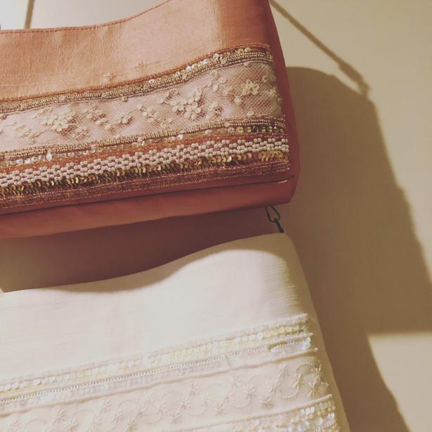 昔でいうなら「お出かけ用」バッグ。パーティーなどにも。。。_e0060341_11154740.jpg