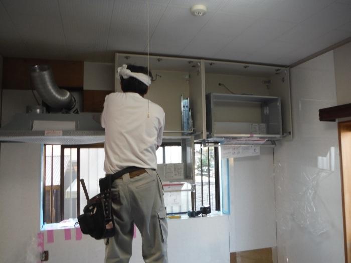 キッチンリフォーム ~ レンジフード、吊り戸棚取付_d0165368_06115134.jpg
