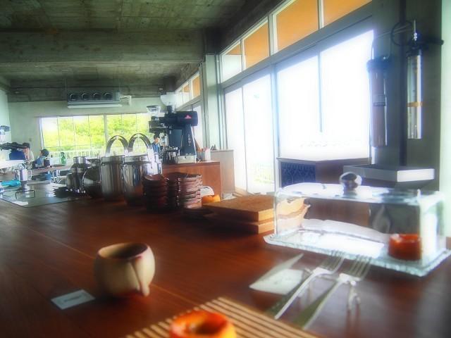山の上のロースタリは絶景カフェ!_d0295818_22490485.jpg