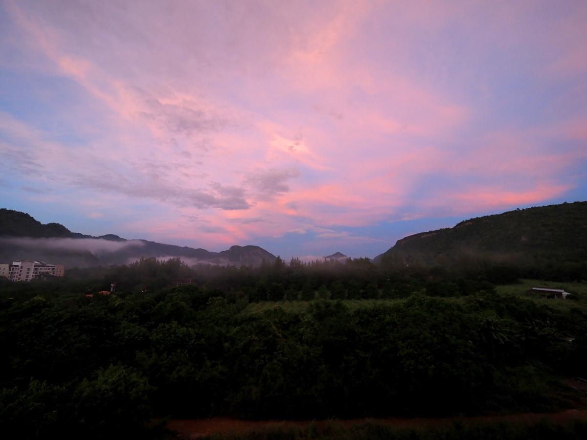 カオヤイ(タイ)で夕焼け_d0283373_14324427.jpg