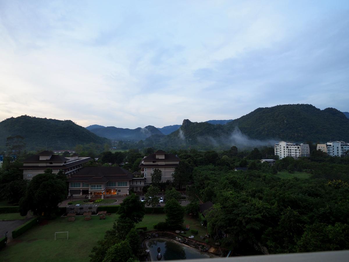 カオヤイ(タイ)でダブルレインボー他_d0283373_1622413.jpg