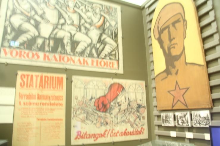 ハンガリー日記 11月6日のこと ブタペスト国立博物館_c0100195_00115434.jpg