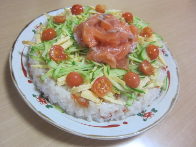 ちらし寿司ケーキ🍰_e0142373_16243646.jpg