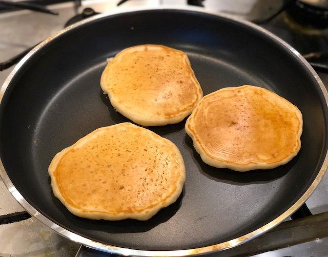 パンケーキの焼き方(卵不使用)_e0287190_00035838.jpeg