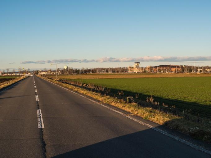 「とかち帯広空港」すぐ近くで航空機の離発着が見れる場所へ_f0276498_14211362.jpg