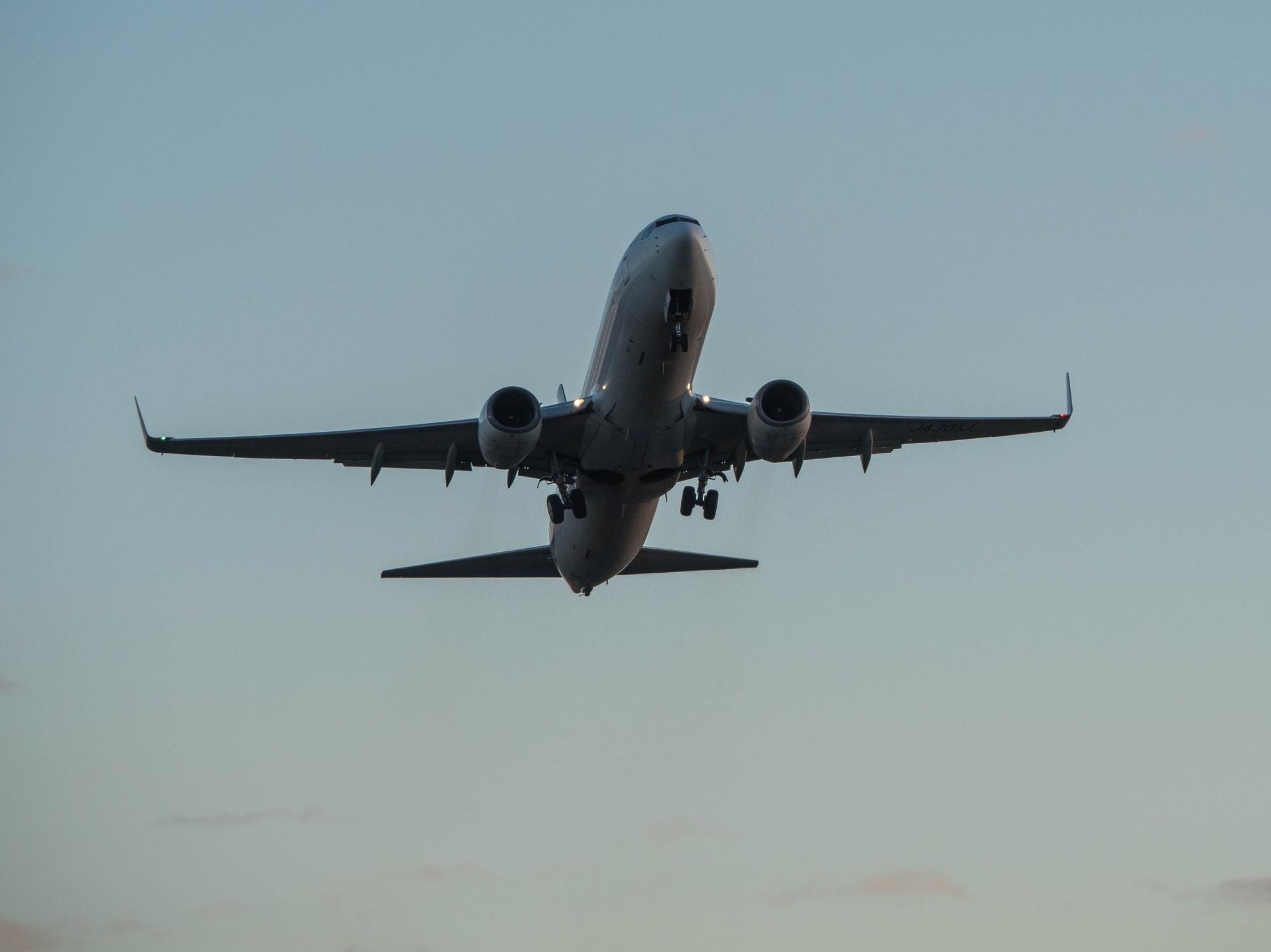 「とかち帯広空港」すぐ近くで航空機の離発着が見れる場所へ_f0276498_14251139.jpg