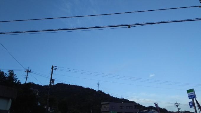 冷え込み、やや絹雲が出ています_e0094315_07185147.jpg
