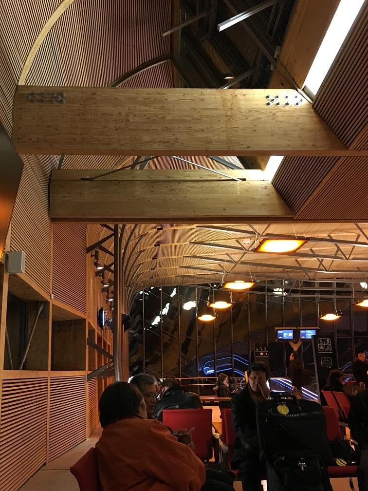 木造ハイブリッド建築  旅の思い出2015から_e0028417_09082334.jpg