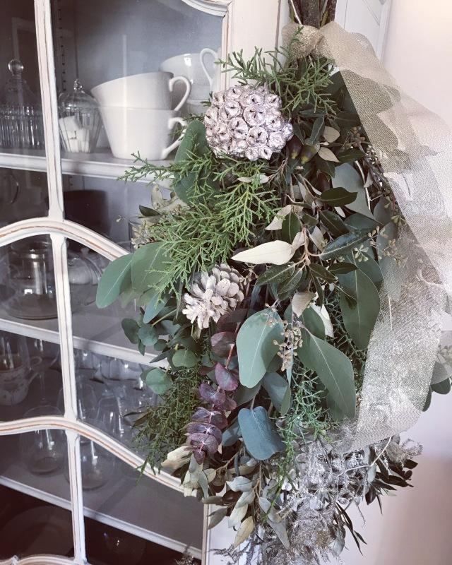 ブリュッセル お花の教室 スワッグ作り._d0355818_18202822.jpeg