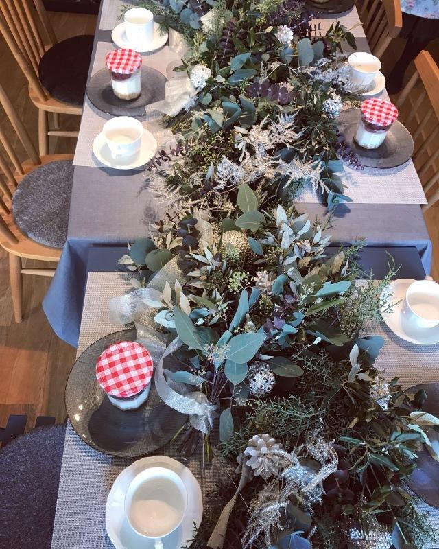 ブリュッセル お花の教室 スワッグ作り._d0355818_18234867.jpeg
