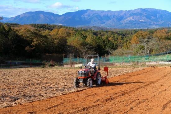 第2圃場の土作りが終わりました。_d0336530_21042689.jpg