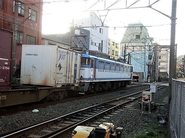 藤田八束の鉄道写真@貨物列車を追いかけて写真を撮りました・・・貨物列車を激写_d0181492_19190952.jpg