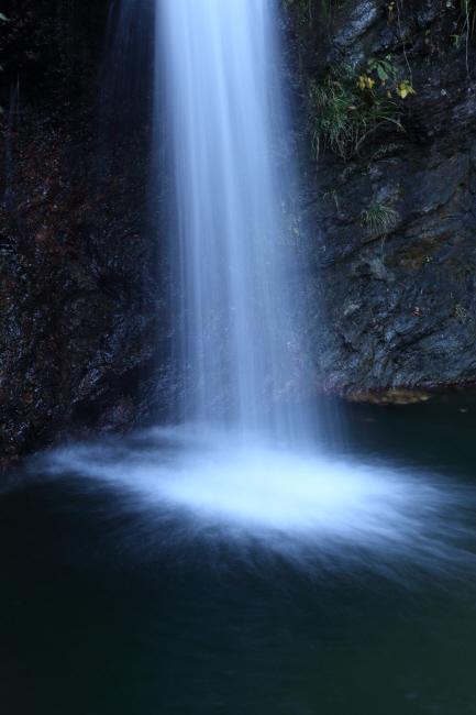 晩秋の秩父華厳の滝 _a0357206_21043090.jpg