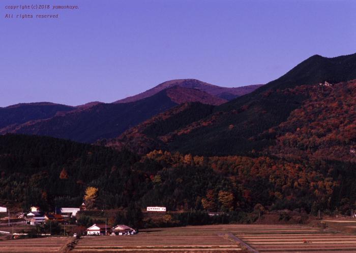道後山を背に_d0309612_00073802.jpg