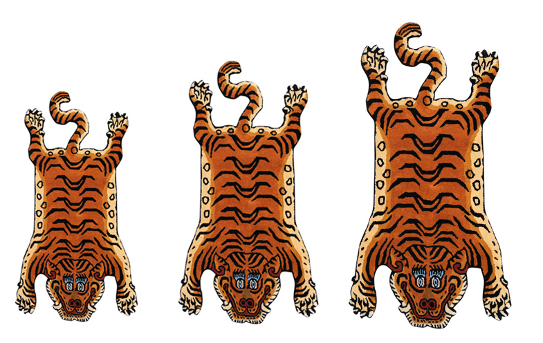 Tibetan Tiger Rug と Kチェア とアラジンブルーフレーム_e0130464_19153749.jpg