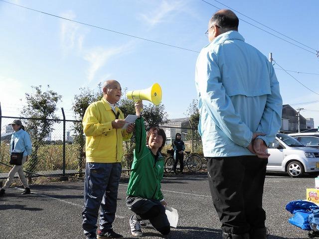 市内5つのライオンズクラブさんからも支援いただき今年は3000球のヒガンバナを植付け 「滝川の水辺 守ろう!遊ぼう!プロジェクト 2018」_f0141310_06425572.jpg