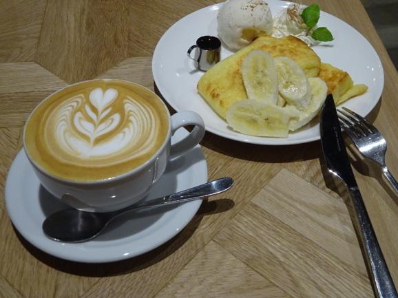 移転後のFEBRUARY CAFEさんでフレンチトースト_e0230011_17192108.jpg