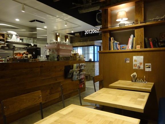 移転後のFEBRUARY CAFEさんでフレンチトースト_e0230011_17242538.jpg