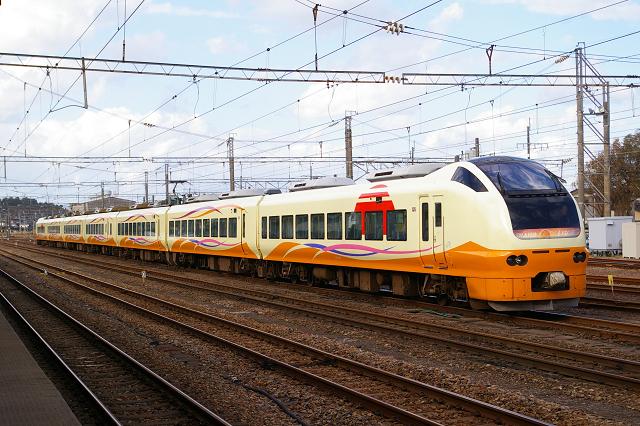 入換作業を酒田駅で撮影・EL日本海庄内号_b0283432_21411267.jpg
