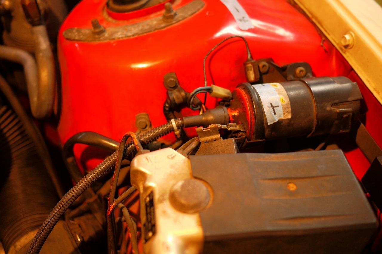 ボルボ240 走行中 エンジン停止 2度とエンジン掛からない_d0171835_18381650.jpg