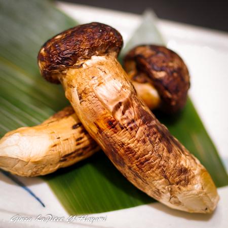 料理の風景 焼き松茸_b0133053_01465365.jpg