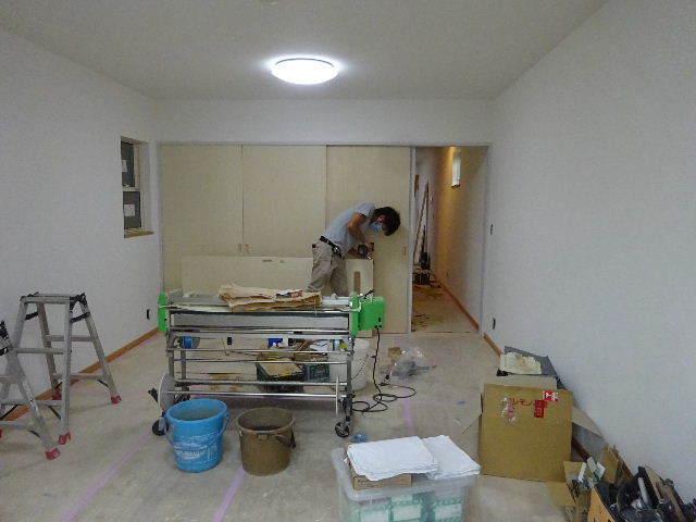 本町通り 住宅建替え工事 完成へ!_f0105112_04564386.jpg