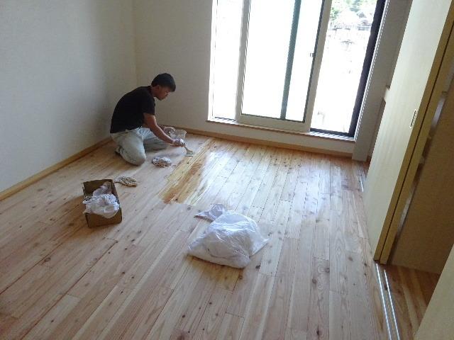 本町通り 住宅建替え工事 完成へ!_f0105112_05001646.jpg