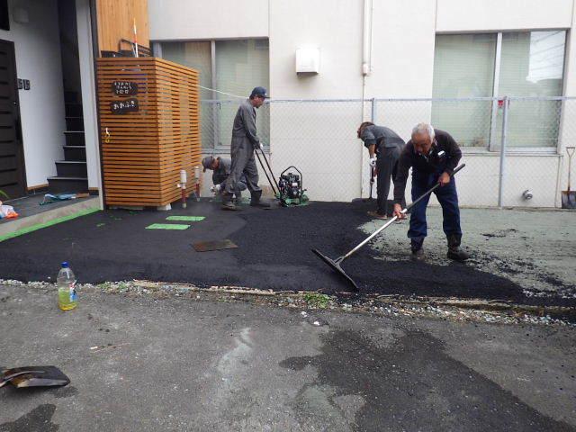 本町通り 住宅建替え工事 完成へ!_f0105112_05001749.jpg
