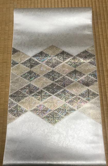 平成最後の園遊会・皇后陛下の螺鈿の帯。_f0181251_16542577.jpg