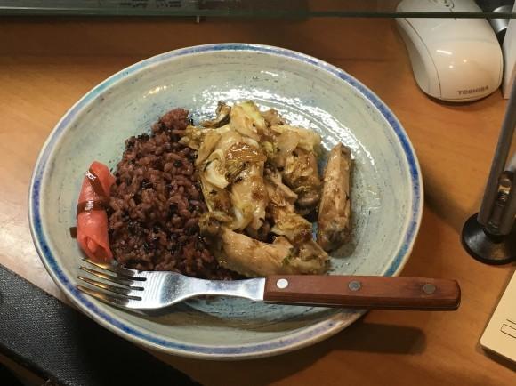 夕飯は手羽の野菜炒め_e0166355_18044812.jpg