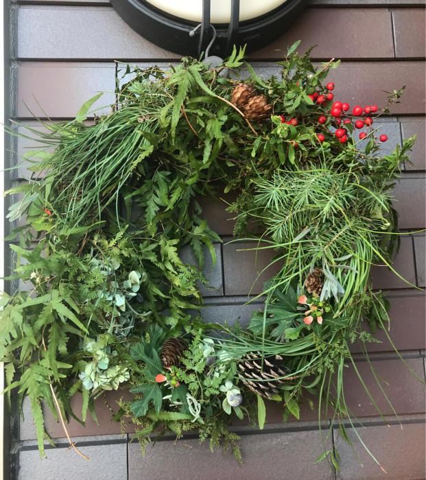 自然素材のクリスマス・リース2018①_e0233674_21435265.jpg