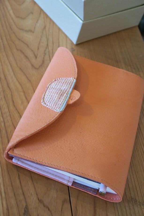 【オーダー紹介74】刺繍ショルダーと手帳カバー_c0160822_14200501.jpg