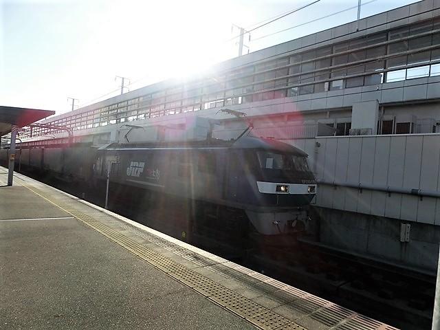 藤田八束の鉄道写真@貨物列車を追いかけて写真を撮りました・・・貨物列車を激写_d0181492_21450412.jpg