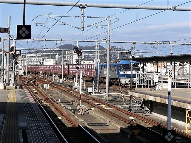 藤田八束の鉄道写真@貨物列車を追いかけて写真を撮りました・・・貨物列車を激写_d0181492_23294576.jpg
