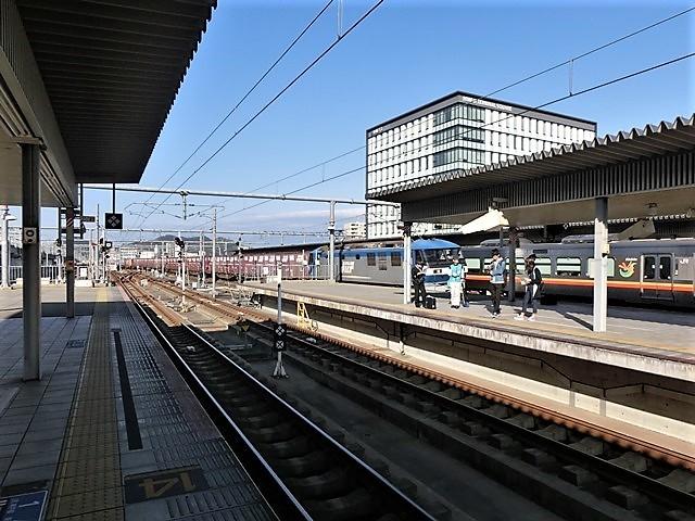 藤田八束の鉄道写真@播但線と姫路城、姫路駅を通過するかっこいい貨物列車は桃太郎・・・世界遺産姫路城と鉄道_d0181492_23300293.jpg