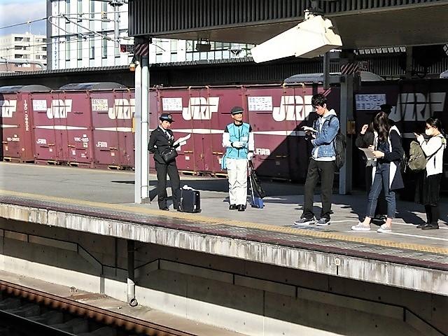 藤田八束の鉄道写真@播但線と姫路城、姫路駅を通過するかっこいい貨物列車は桃太郎・・・世界遺産姫路城と鉄道_d0181492_23301924.jpg