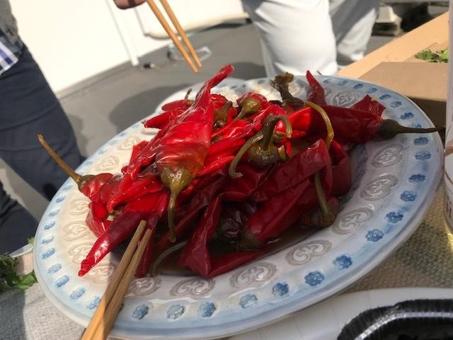 GOGOパクチー、本気のイノシシまるごとを焼く。in private miumiu_a0050302_23541539.jpg